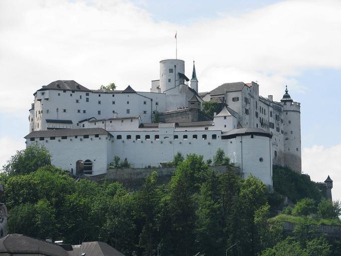 Самые большие замки в мире: Топ-10