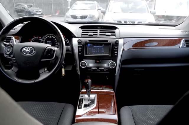Toyota Camry внутри
